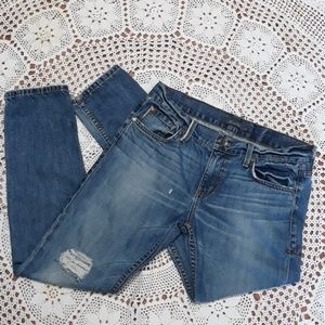 Level 99 blow out knee distressed boyfriend jeans